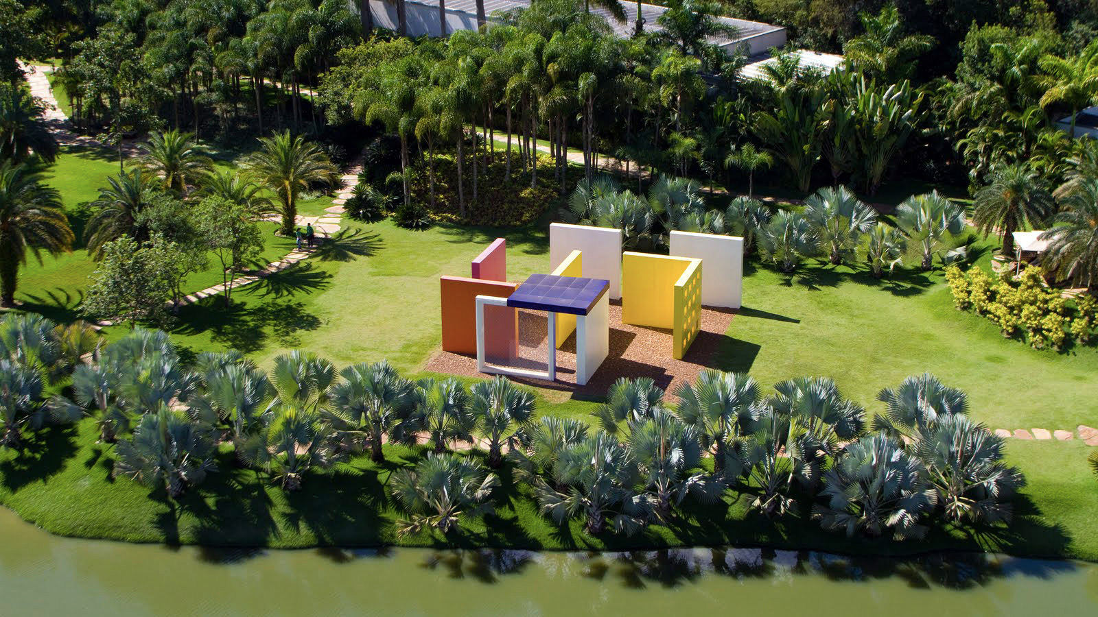 instituto-inhotim-penetravel-magic-square-5-helio-oiticica