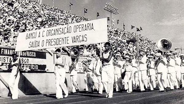 dia-do-trabalho-1941-vargas-stadium-parade