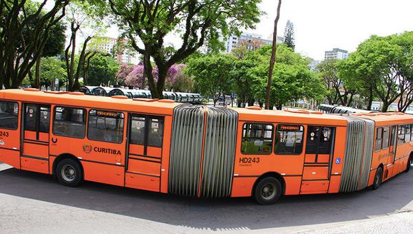 curitiba-brazil-sustainable-city-bi-articulated-bus